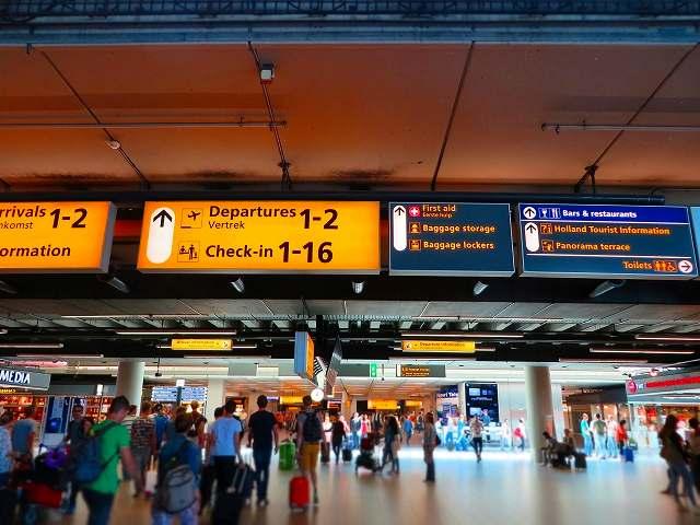 外国の空港の写真